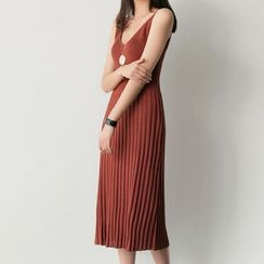 UPTOWNHOLIC - Sleeveless Ribbed Knit Dress