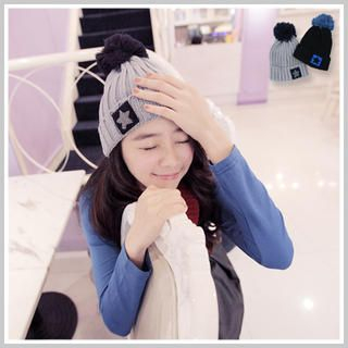 Clair Fashion - PomPom Accent Knit Beanie