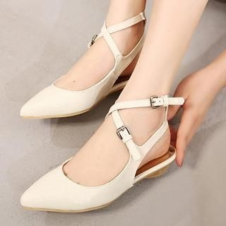 Mancienne - Cross-Strap Pointy Flats