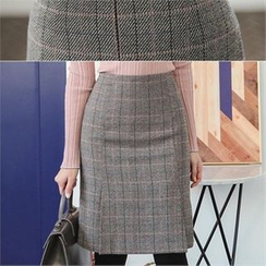 ode' - Pleated-Front Plaid Skirt