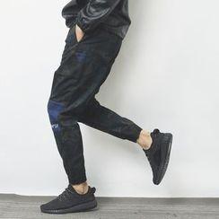 Mr.C studio - Letter Embroidered Denim Panel Camo Jogger Pants