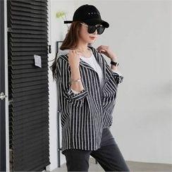 CHICFOX - Hooded Striped Shirt