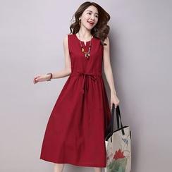 Salisha - Sleeveless Midi Dress