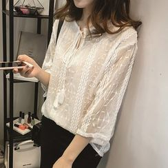 Little V - 3/4-Sleeve Lace Blouse