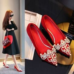 JY Shoes - Embellished Pointy Toe Pumps