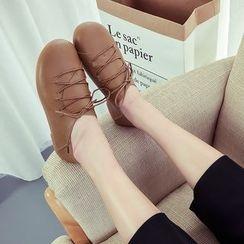 Chryse - 繫帶平跟鞋