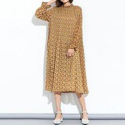 Myrtle - Frill Collar Accordion Chiffon Dress