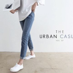 DAILY LOOK - Washed Straight-Cut Jeans