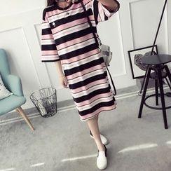 Qimi - Striped 3/4 Sleeve T-Shirt Dress