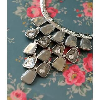 Petit et Belle - Gem-Cut Bib Necklace