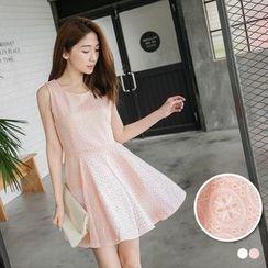 OrangeBear - Sleeveless Tie Waist Dress