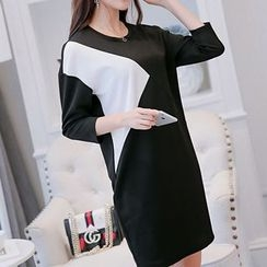 Q.C.T - 3/4-Sleeve Color Block Knit Dress