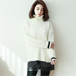 GLAM12 - Turtle-Neck Contrast-Trim Sweater