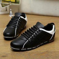 Easy Steps - 菱格仿皮运动鞋