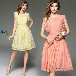 Queen Mulock - Sleeveless Lace-Trim Dress