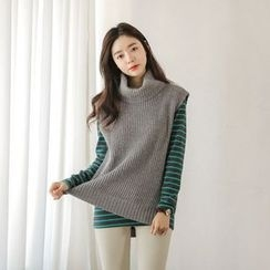 JUSTONE - Turtle-Neck Sleeveless Wool Blend Knit Top