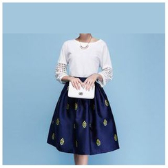 Strawberry Flower - Set: 3/4-Sleeve Top + Print A-Line Skirt