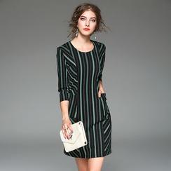 Y:Q - 七分袖條紋直身連衣裙