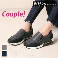 Wifky - Platform Croc-Grain Slip-Ons