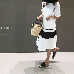 NANING9 - Color-Block A-Line T-Shirt Dress