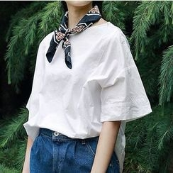 Plum Forest - Plain Short-Sleeve Blouse