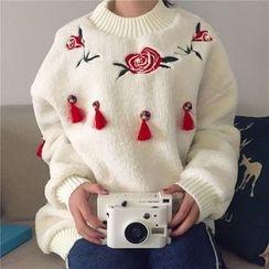 Dute - Tasseled Flower Embroidered Pullover