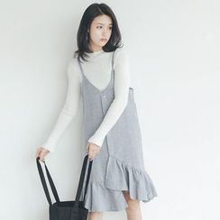 Woodie - Houndstooth Frilled Strap Knit Dress
