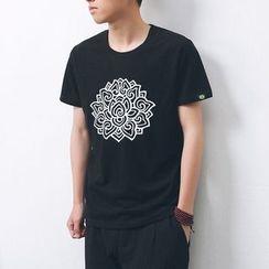 Mrlin - Lotus Flower Print Crewneck T-Shirt