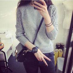 YAMI - Cable Knit Panel Sweater