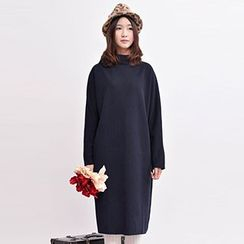 Yammi - Long-Sleeve Stand Collar Midi Dress