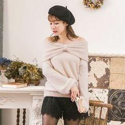 Tokyo Fashion - Off-Shoulder Sweater