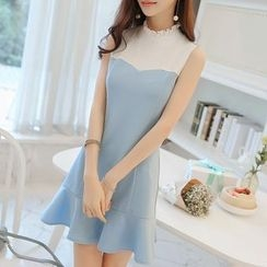 Q.C.T - Frilled Neck Sleeveless Two-Tone Dress