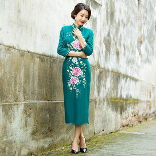 Miss Four Qipao - Floral Embroidered 3/4-Sleeve Midi Cheongsam