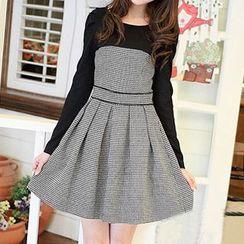 Rocho - Long-Sleeve Two-Tone Dress