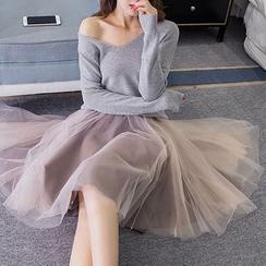 Yohana - 套装: V领毛衣 + 网纱连衣裙