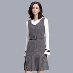 Sentubila - Pleated Hem V-Neck Pinafore Dress