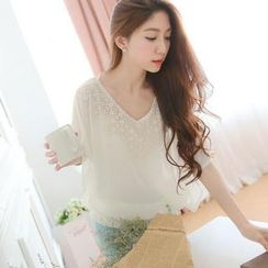 Tokyo Fashion - Flutter Elbow-Sleeve Lace Panel Top