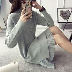 Qimi - Long-Sleeve Pleated Panel Knit Dress