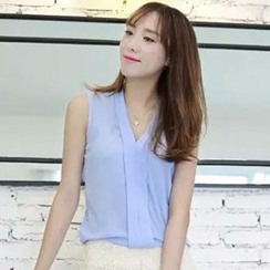 Neeya - Sleeveless V-neck Chiffon Top