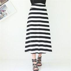 GLAM12 - Color-Block Stripe Long Skirt