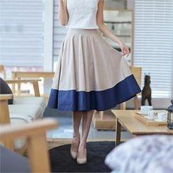 Styleberry - Contrast-Trim A-Line Midi Skirt