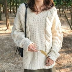 Dasim - Cable-Knit V-Neck Chunky Sweater