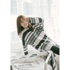 GOROKE - Ruffle-Hem Stripe Knit Top