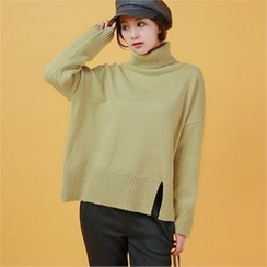 Styleberry - Turtle-Neck Slit-Hem Sweater