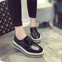 Yoflap - Platform Lace-Up Shoes