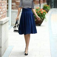COCOAVENUE - Pleated-Front Midi Skirt