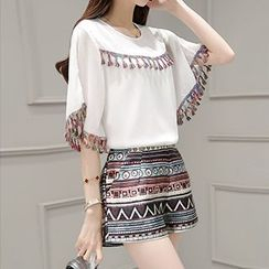 Lavogo - Set: Tasseled Elbow Sleeve T-Shirt + Patterned Shorts