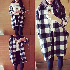 QZ Lady - Oversized Flannel Shirt