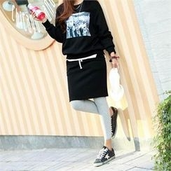 PIPPIN - Set: Printed Sweatshirt + Skirt