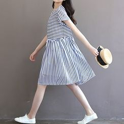 chome - Stripe Chiffon Short-Sleeve Dress